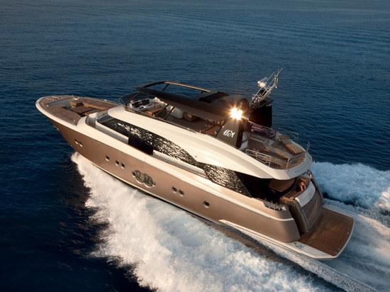 蒙地卡罗游艇 获「全球最佳量产动力艇」大奖