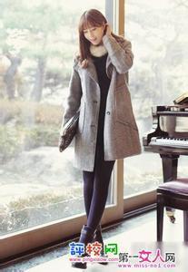 优雅女人味风格:大衣搭配短靴今冬最流行