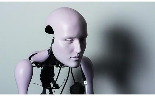 土耳其艺术家展出五件机械雕像 震撼心灵