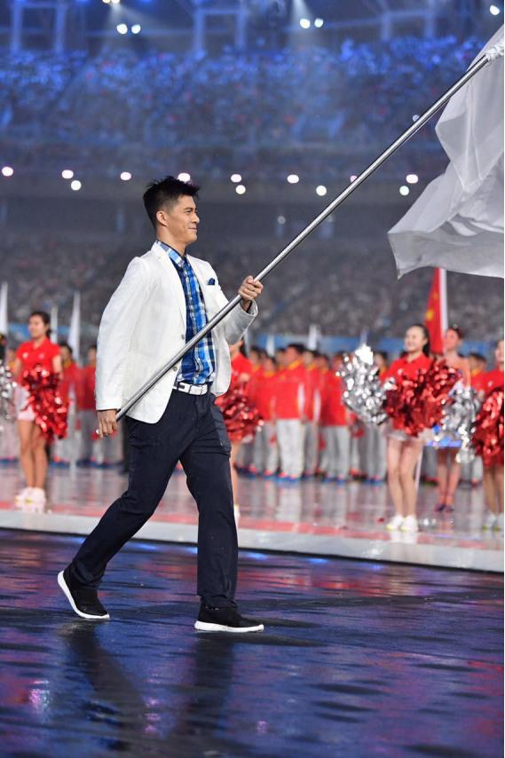 比音勒芬携手广东省代表团  时尚亮相全运开幕式