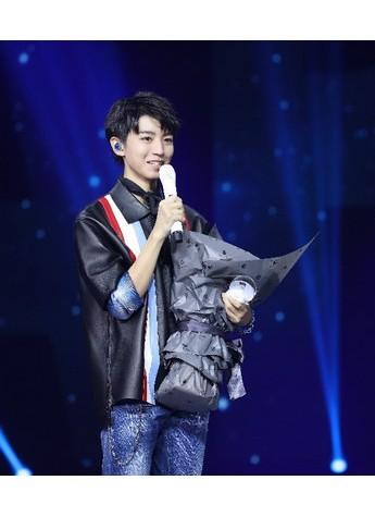 自然自信,真实如初 自然堂倾情赞助王俊凯18岁成人礼