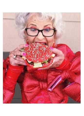 这些70岁老奶奶,成为了时尚博主