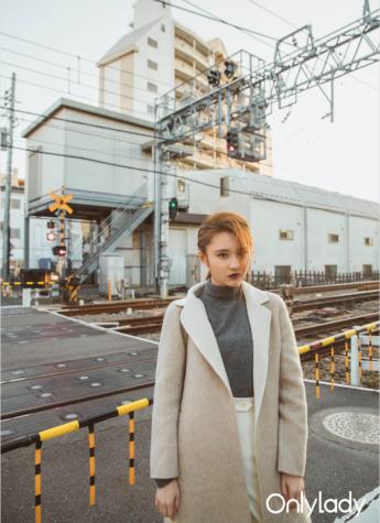张慧雯的冬日东京,一件羊毛大衣的质感与气场