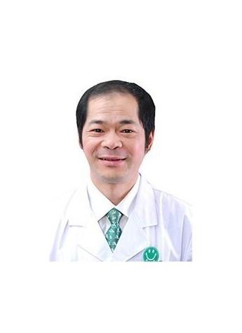 黄石爱康医院妇科主任肖新益:医乃仁术 无德不立