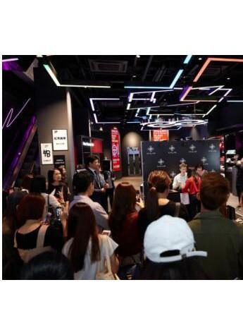 韩国门将赵贤佑首个粉丝签名会于唯兰颂VIVLAS品牌旗舰店火热举行!