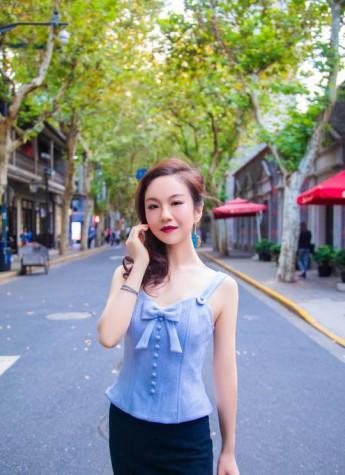 百变女神唐苓馨闪亮上海国际时装周