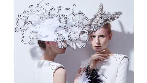 鸢尾花开:完美的PANTTERFLY=纯粹的浪漫心绪+女性独立自由的个性表达