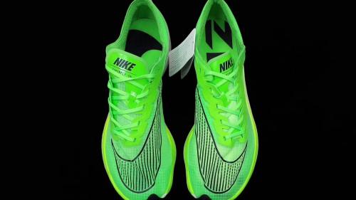 耐克  Zoom Vaporfly 5% 全新鞋款 踏上它真会飞……