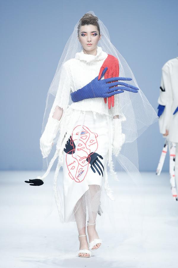 常州纺院毕业设计作品亮相2019中国国际大学生时装周