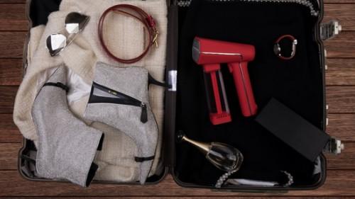 """""""衣护界的戴森"""" 为天猫618备战半年 全球首发粉色红色手持蒸汽挂烫机"""