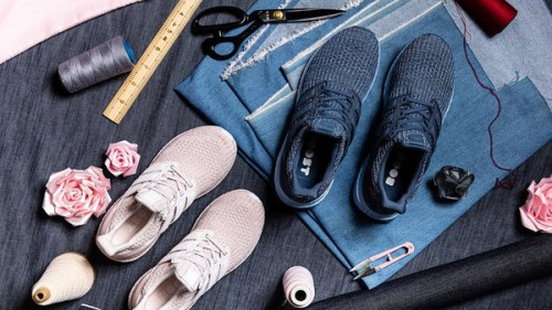 阿迪达斯推出UltraBOOST V-DAY 七夕情侣限定系列跑鞋