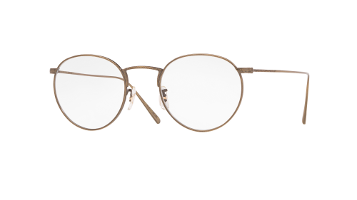 易烊千璽斯文眼鏡造型 演繹文藝復古秋日時尚