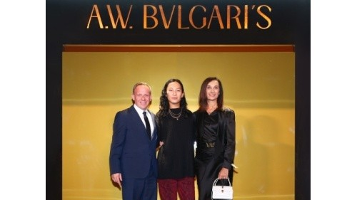 BVLGARI X alexanderwang联名包袋,于宝格丽酒店上海总商会惊喜呈现