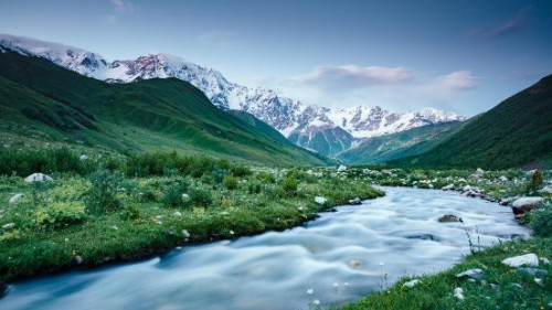 探尋天山之巔彌玥泉,解密冰川溫泉低氘水