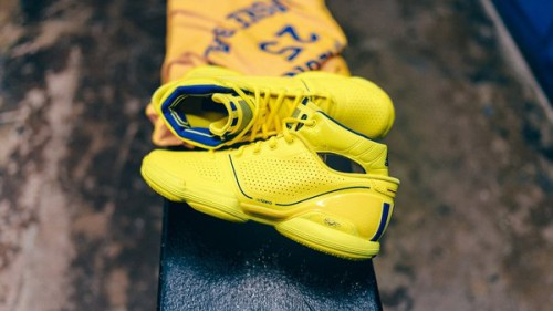 星耀风城 -- 阿迪达斯篮球限量发售全明星周末系列产品