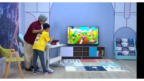 电视能否重回家庭中心?你要的观影、教育、娱乐,全和这张屏有关