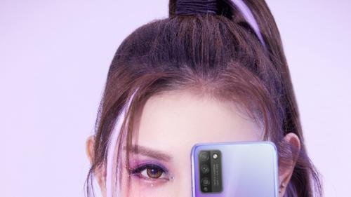 荣耀30青春版携手完美日记打造彩妆大片,破圈联动开启5G炫彩青春