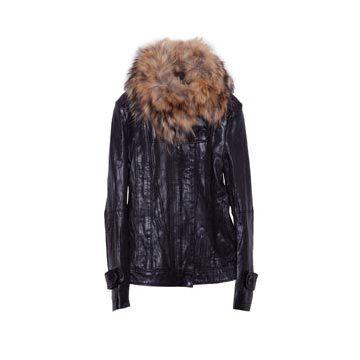 黑色羊皮外套