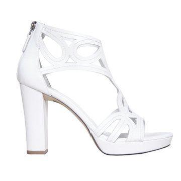 白色粗跟凉鞋
