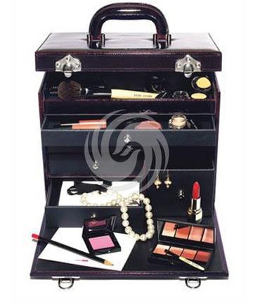 芭比·波朗瑰丽紫晶豪华化妆箱(全新2009圣诞限量版)