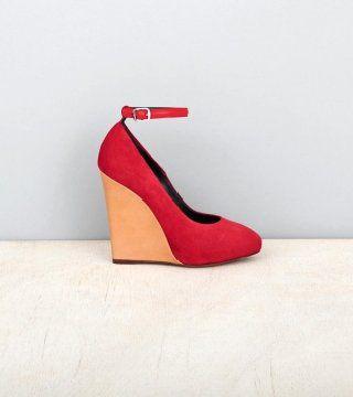 红色反皮坡跟鞋