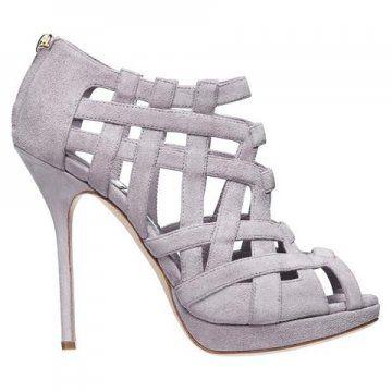 浅紫色高跟凉鞋