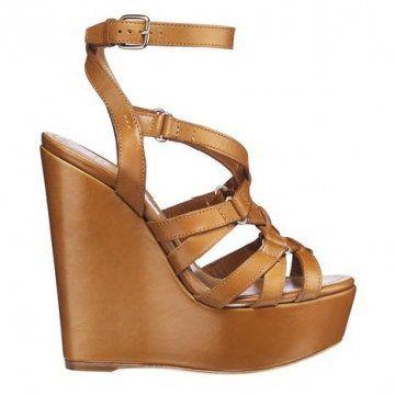 棕色坡跟凉鞋