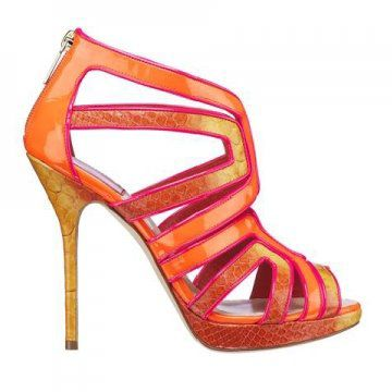 橘色高跟凉鞋