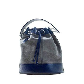 灰蓝色皮革手提包