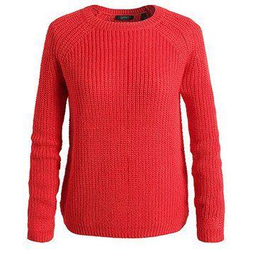 红色套头针织衫