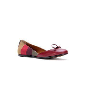彩色条纹拼贴平底鞋