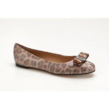 米色豹纹平底鞋