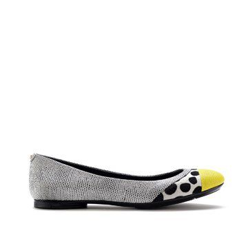 黄头斑点平底鞋