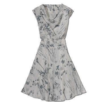 灰色印花束腰连衣裙
