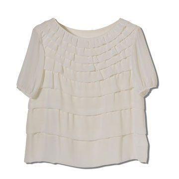 乳白色多褶上衣