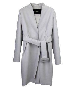 浅灰色V领束腰大衣