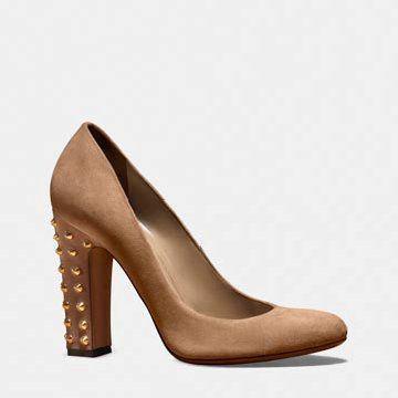 浅咖色麂皮高跟鞋