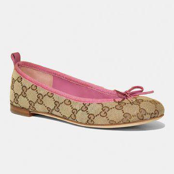 驼色布面平底鞋