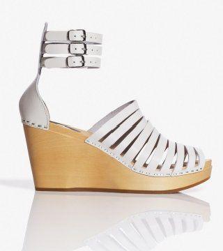 白色带式坡跟鞋