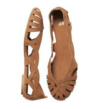 琥珀色皮质镂空平底鞋