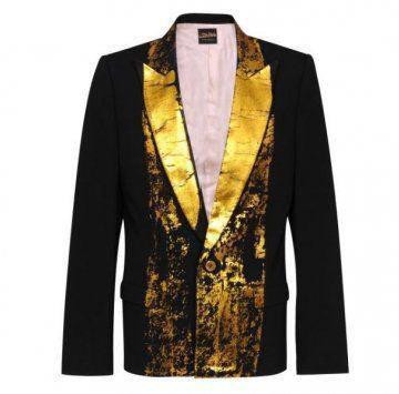 金色领巾西装外套