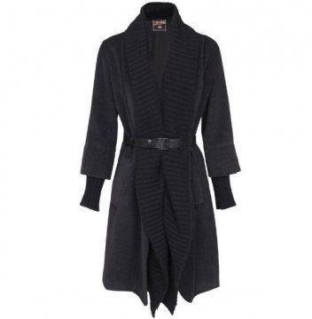 黑色羊毛外套