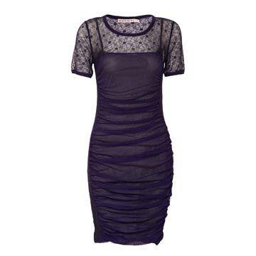 紫色薄纱连衣裙