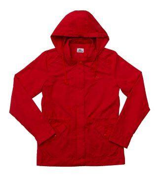 红色连帽风衣