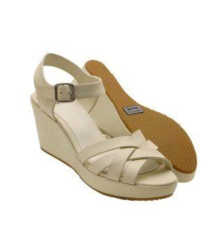白色厚底凉鞋