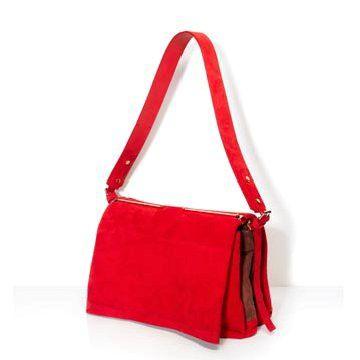 红色麂皮单肩包