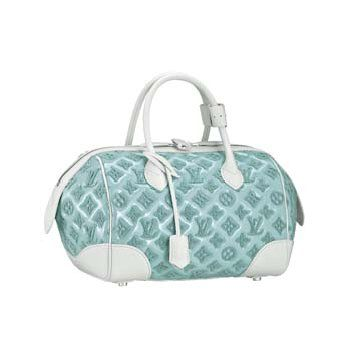 淡蓝色漆皮手提包