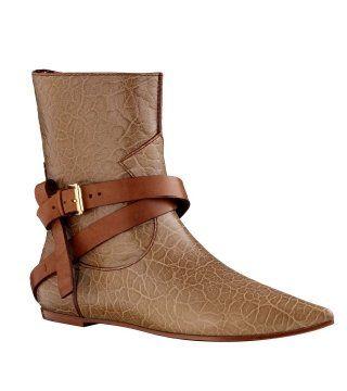 路考茶色绑带短靴