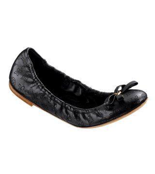 柔软黑色芭蕾鞋
