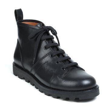 黑色牛皮平底靴